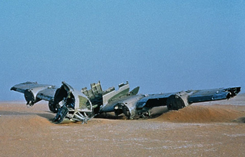 fata morgana plane crash desert image still herzog