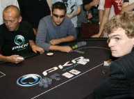 6 Other Things To Do While Playing Poker