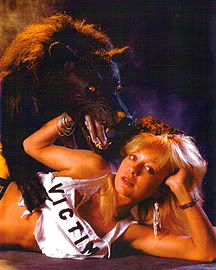 Long time horror favorite, Linnea Quigley scream queen women victims horror movies