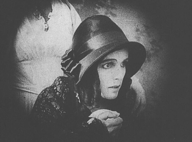 Greta Schröder nosfaratu women in horror movies vampire 1922