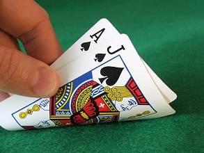 An Idiot's Guide to Blackjack  Advice and Tips on How Not to Play like a Moron