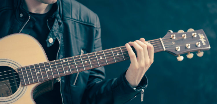 What you need to know before you buy a guitar